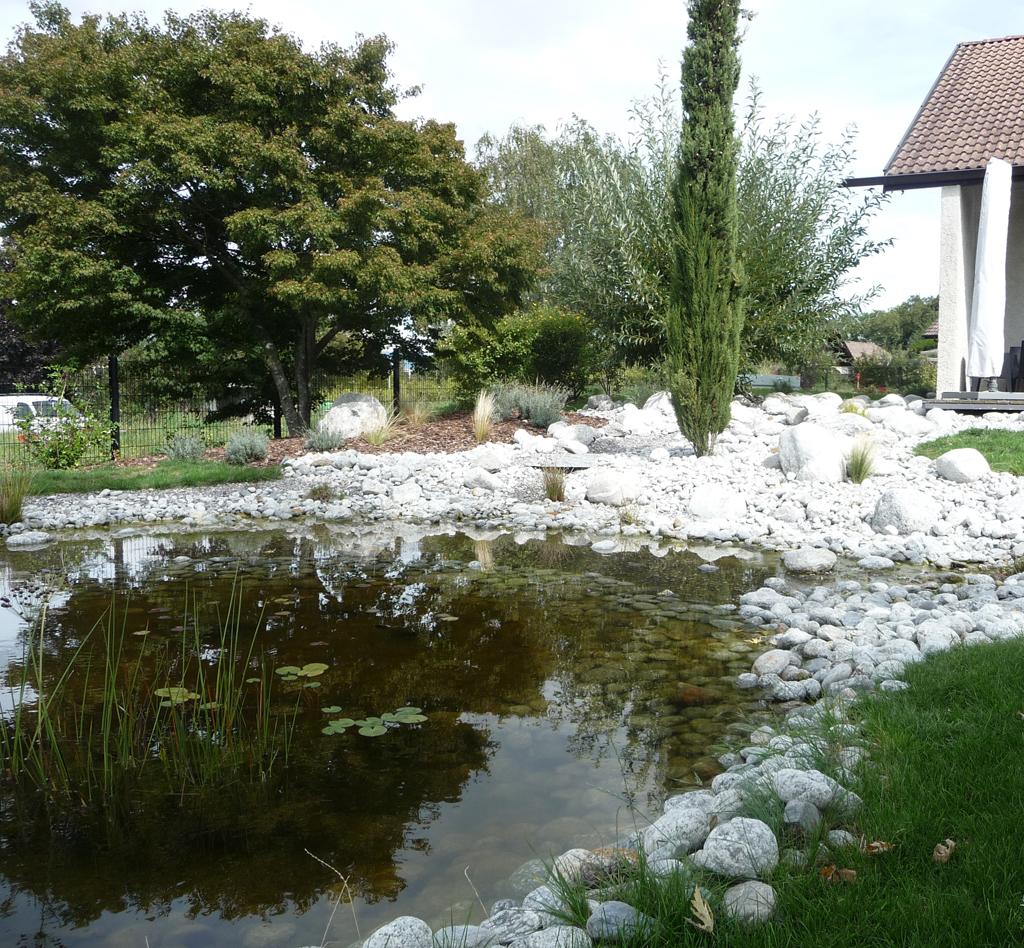 paysagiste annemasse bassin galets paysagiste haute savoie 74 cr ation de jardin et. Black Bedroom Furniture Sets. Home Design Ideas