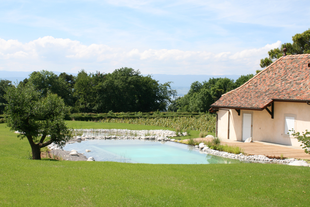 Baignade naturelle haute savoie piscine naturelle for O jardin ideal route de montauban bessieres