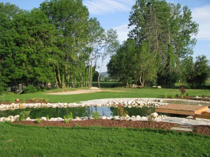 Bassin naturelle haute savoie piscine biologique for Amenagement jardin savoie